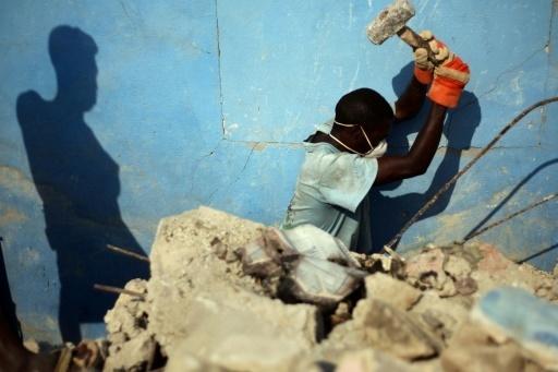 Scandale sexuel en Haïti: le chapeau à la directrice adjointe d'Oxfam qui démissionne