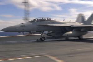 Deux avions de l'armée américaine se percutent au large du Japon