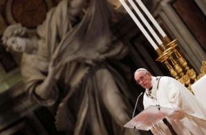Le pape réclame une solution pour les migrants au large de Malte