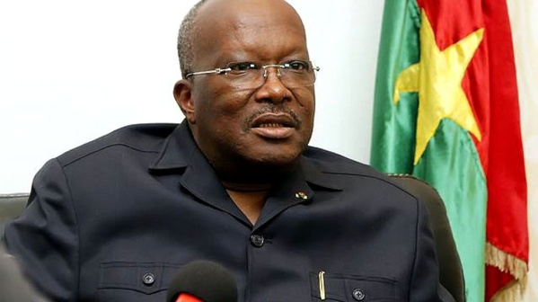 Burkina Faso : le président Roch Kaboré remanie la tête de son armée