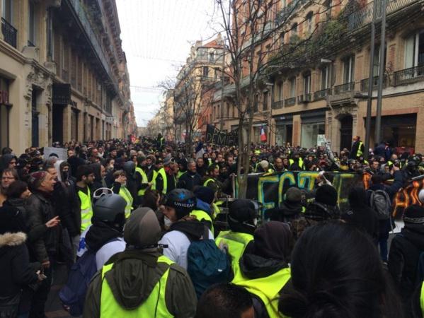 """""""Gilets jaunes"""" : fort regain de mobilisation pour le 9e samedi d'action, au moins 92 000 manifestants en France"""