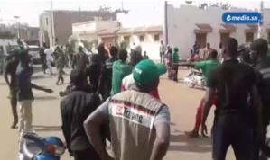 "Le Synpics ""condamne fermement"" l'attaque d'un bus de journalistes à Tambacounda"