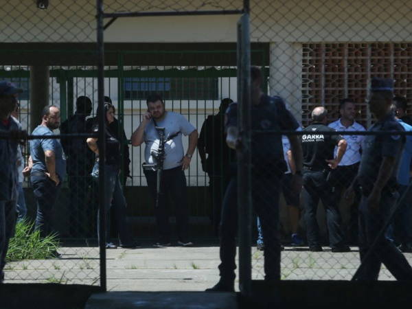 Fusillade dans une école brésilienne, au moins dix morts dont six enfants