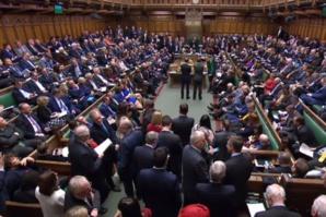 La Chambre des communes soutient massivement un report du Brexit