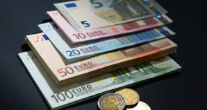 Il faut mettre l'euro en avant au plan international, déclare Centeno