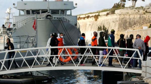 Les migrants de Sea-Eye arrivent à Malte avant d'être répartis en Europe