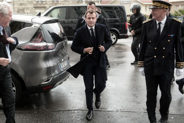 """Les """"Gilets jaunes"""" n'ont plus de """"débouché politique"""", dit Macron"""