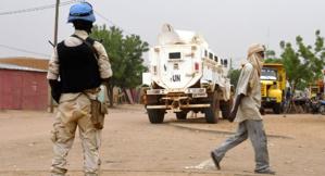 Mali: des casques bleus attaqués, un mort