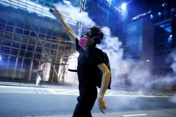 Hong Kong: Excuses des manifestants, qui poursuivent leur mouvement