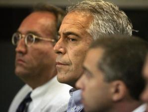 Jeff Epstein, au milieu