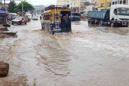Digne capitale de « l'émergence », Dakar dans les eaux (par Mody Niang)