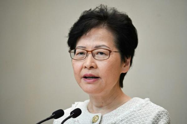 La dirigeante de Hong Kong met en garde contre l'ingérence et l'escalade de la violence