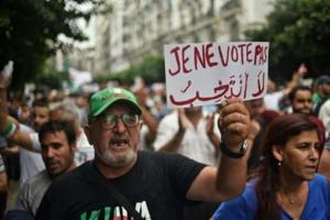 Manifestations en Algérie malgré l'annonce d'une élection
