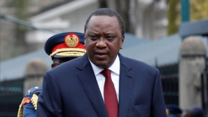 Le président du Kenya refuse de signer le budget sur le plafonnement des taux d'intérêt