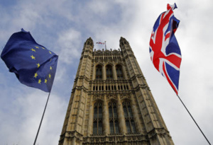 Londres demande un report du Brexit