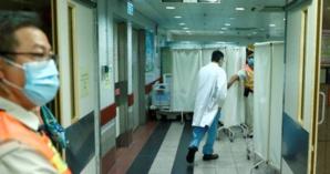 Hong Kong: Un étudiant est mort après une chute lors des manifestations du week-end