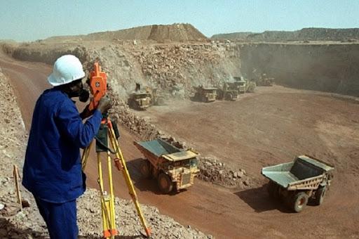 Uranium: le Niger traîné devant la Cour de justice de la Cedeao par 30 ex-employés des mines d'Arlit et d'Akokan
