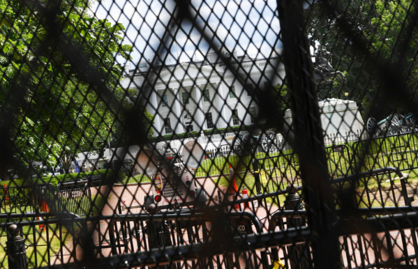 """""""Pas de justice, pas de paix"""": foule à Washington pour George Floyd"""