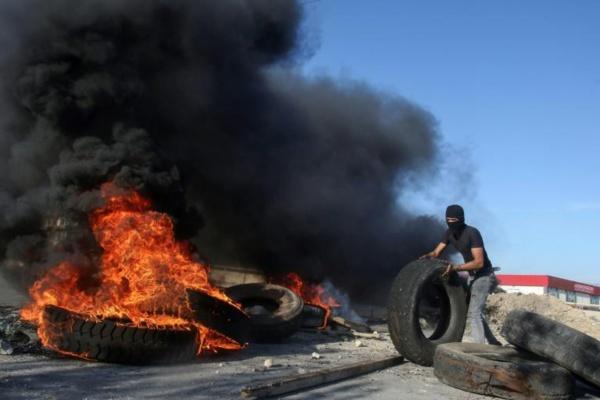 Les Libanais manifestent contre l'attentisme du pouvoir