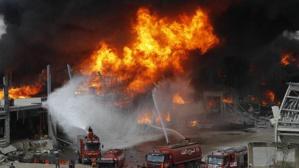 Le port de Beyrouth s'enflamme de nouveau, les Libanais sont catastrophés et lassés