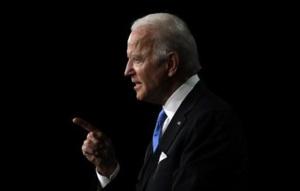 Joe Biden affronte les questions des Américains