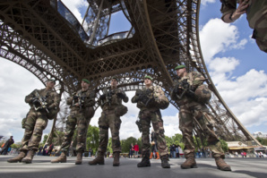 """Vigipirate porté au niveau """"urgence attentat"""" dans tout le pays"""