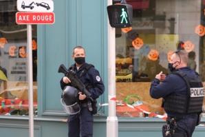 Attaque à Avignon: l'assaillant portait la veste d'un groupuscule identitaire