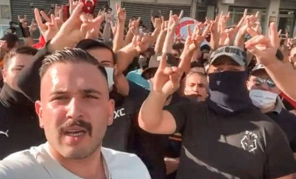 La dissolution des « Loups gris » ravive la tension entre Ankara et Paris