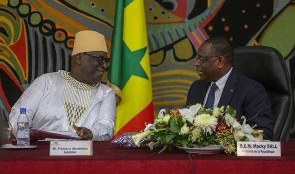 Famara Ibrahima Sagna aux côtés du Président Macky Sall