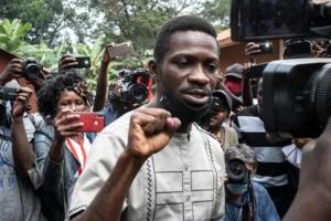 """Présidentielle ougandaise : Bobi Wine dénonce """"des fraudes et des violences"""""""