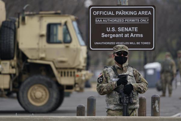 Cérémonie d'investiture de Joe Biden : Un homme lourdement armé intercepté près du Capitole