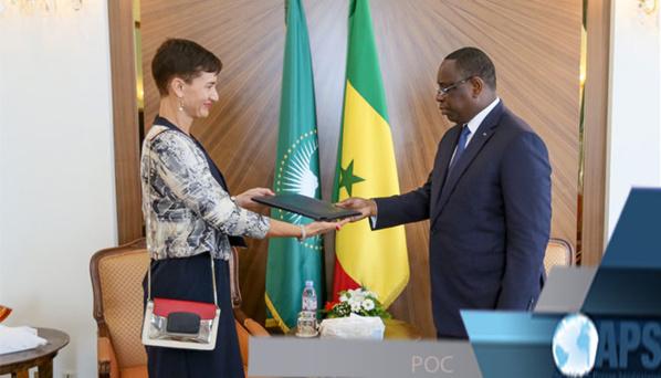 Irène Mingasson, Cheffe de la Délégation de l'UE au Sénégal, avec le Président Macky Sall (photo d'archives)