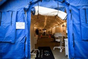 Bilan de la pandémie : Près de 2 100 000 morts dans le monde