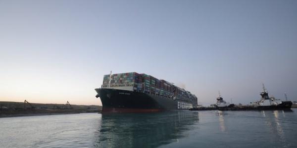 Canal de Suez : L'Ever Given remis à flot, le trafic maritime reprend