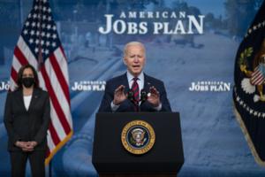 Congrès américain : Joe Biden juge son plan d'investissements «indispensable»