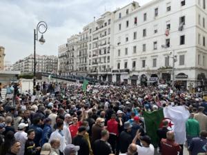 ALGERIE : des personnalités et ONG lancent un appel contre