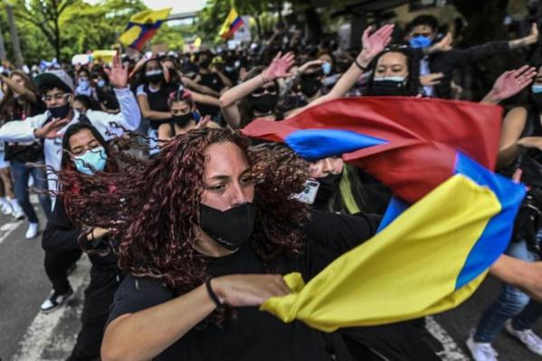 COLOMBIE : La communauté internationale condamne la répression