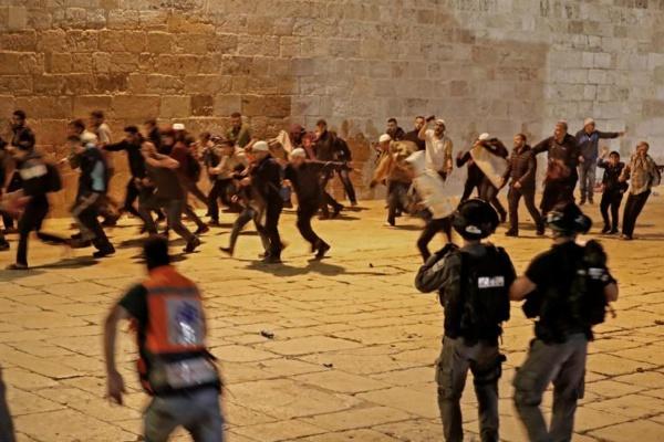 JERUSALEM : Plus de 180 blessés dans des heurts sur l'Esplanade des mosquées