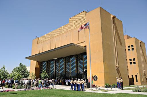 En plein retrait militaire, foyer de Covid-19 à l'ambassade américaine à Kaboul, un mort