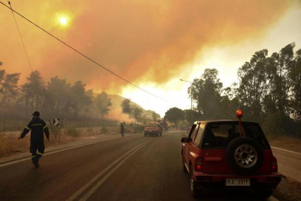 6 morts : le bilan des feux de forêt qui brûlent le sud de la Turquie s'alourdit