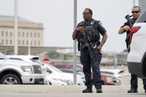 Un policier poignardé à mort à quelques mètres du Pentagone
