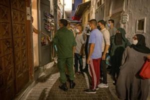 Face à la flambée des cas de Covid-19, le Maroc élargit le couvre-feu nocturne