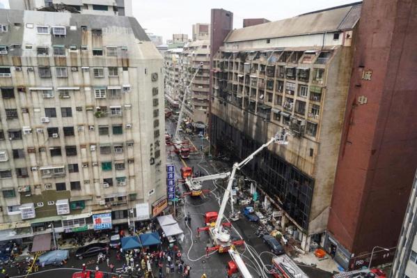 Taïwan : près de 50 personnes décèdent dans l'incendie d'un immeuble
