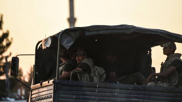Un car de l'armée turque visé par une bombe, 3 morts
