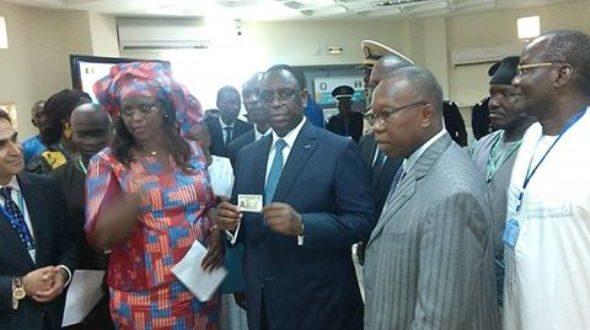SENEGAL : Macky Sall lance la carte nationale d'identité biométrique de la CEDEAO