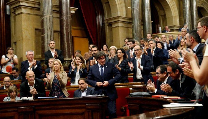 Le parlement catalan vote un référendum sur l'indépendance en 2017