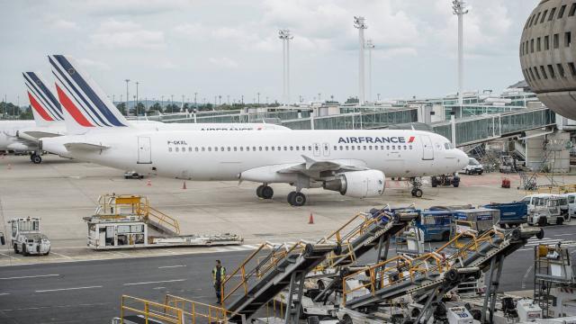 Air France-KLM veut s'attaquer à ses coûts encore trop élevés