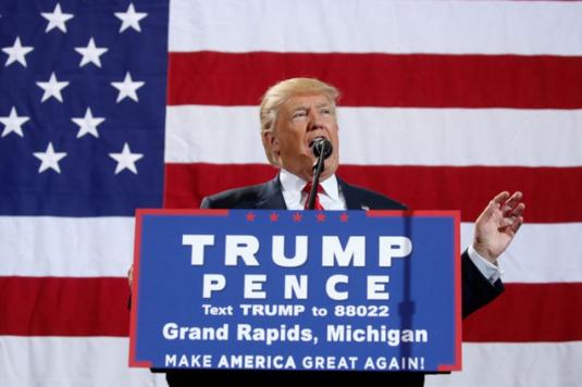 Les démocrates accusent Trump d'intimider les électeurs