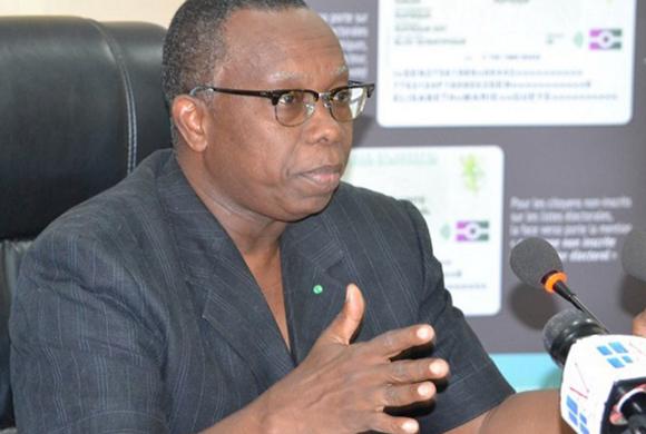10 000 FCFA LA CARTE D'IDENTITE BIOMETRIQUE: Le directeur de la DAF rectifie Macky Sall
