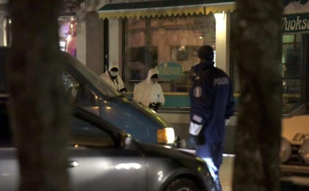 FINLANDE: Une élue municipale et deux journalistes assassinées par balle